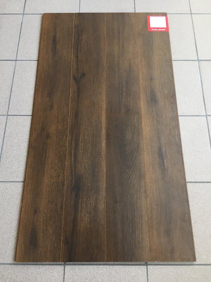 Ламинат Eco Темный Дуб 33 класс 8мм зауженная доска с фаской +  плинтус 291