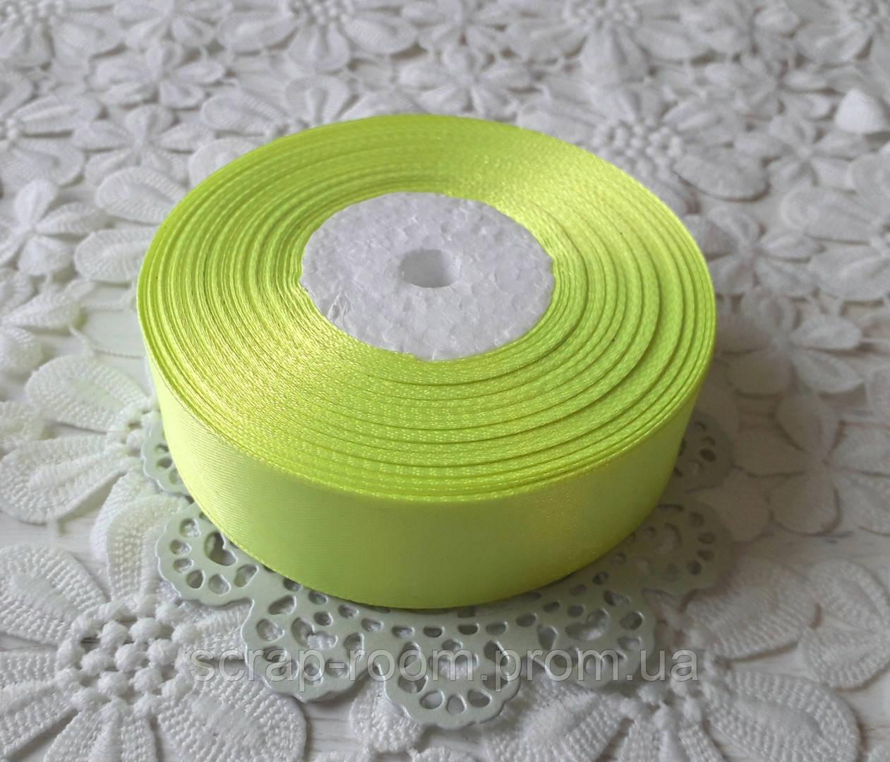 Лента атласная 2,5 см светло-салатовая, лента цвет салатовый атлас, лента атласная салатовый, цена за метр