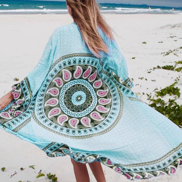 Длинная пляжная туника-халатик голубая с узорами