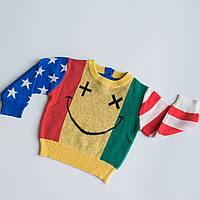 Красивый яркий свитер свитшот