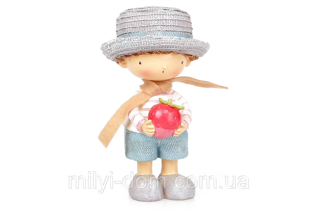 Декоративная фигурка Мальчик  с клубничкой, 18 см