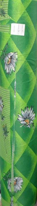 Ромашка на зеленому