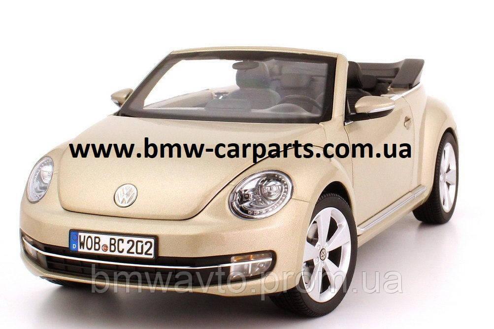Модель автомобиля Volkswagen Beetle Cabrio, Scale 1:18 Снята с производства!