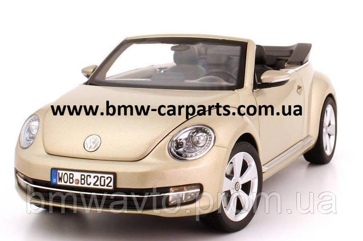 Модель автомобиля Volkswagen Beetle Cabrio, Scale 1:18 Снята с производства!, фото 2
