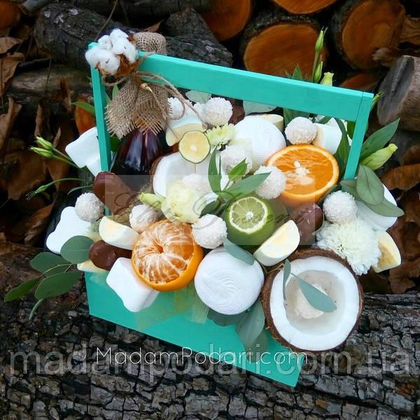Коньяк с фруктами и цветами