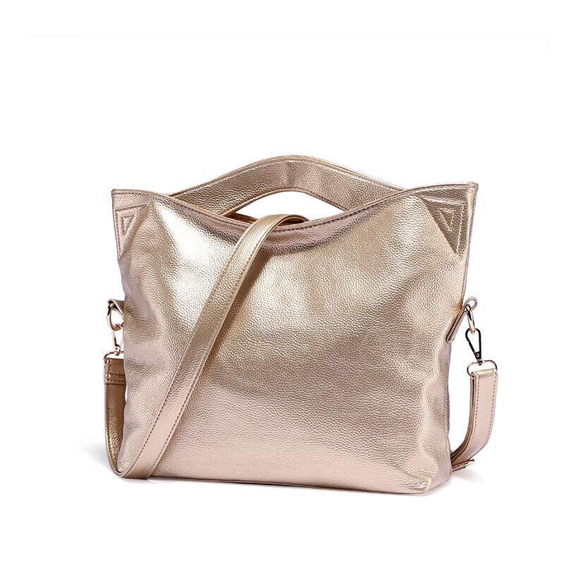 5052a120d17a Золотистая кожаная сумка с золотой фурнитурой, копия мирового бренда Dudu  Bags - BestCases в Запорожье