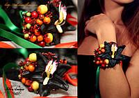 """""""Орхидеей с ягодами"""" браслет на руку с цветами."""