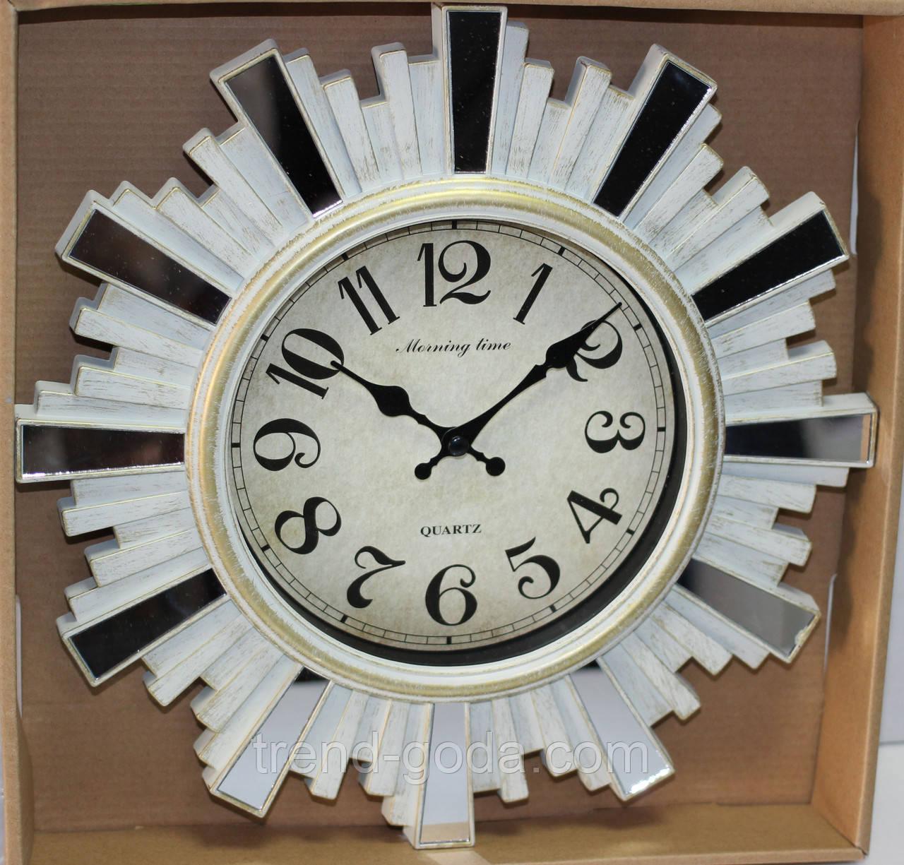 Часы настенные, диаметр 31 см, белые с зеркальными вставками