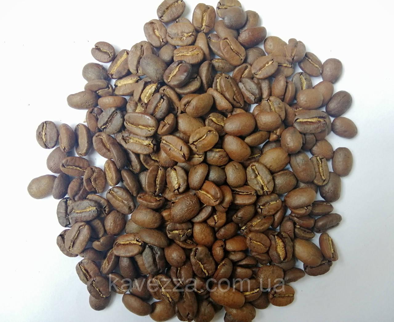 свежий кофе в зернах