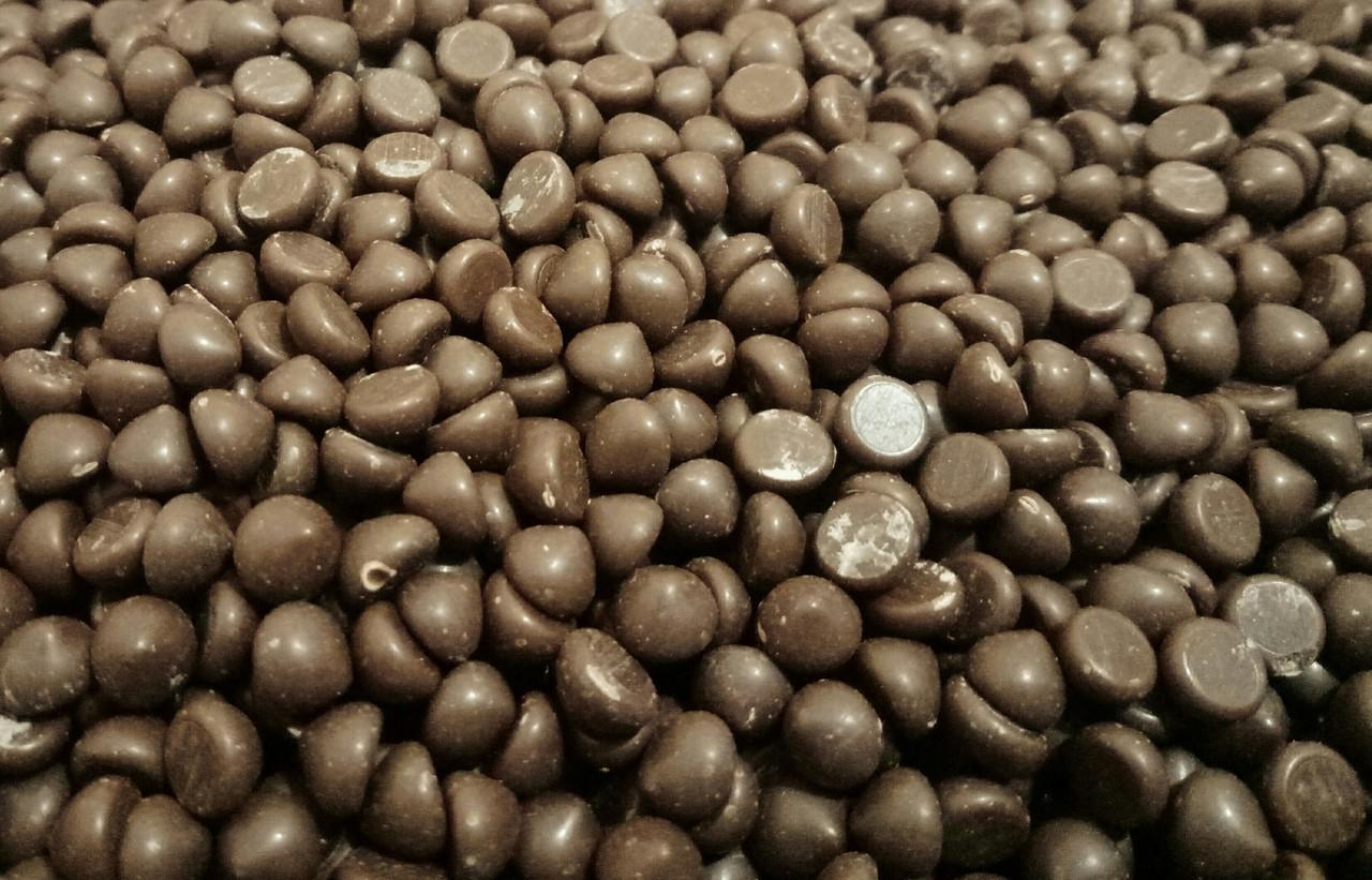 Шоколадная глазурь дропсы молочные Zeelandia 0,5 кг Термостойкие