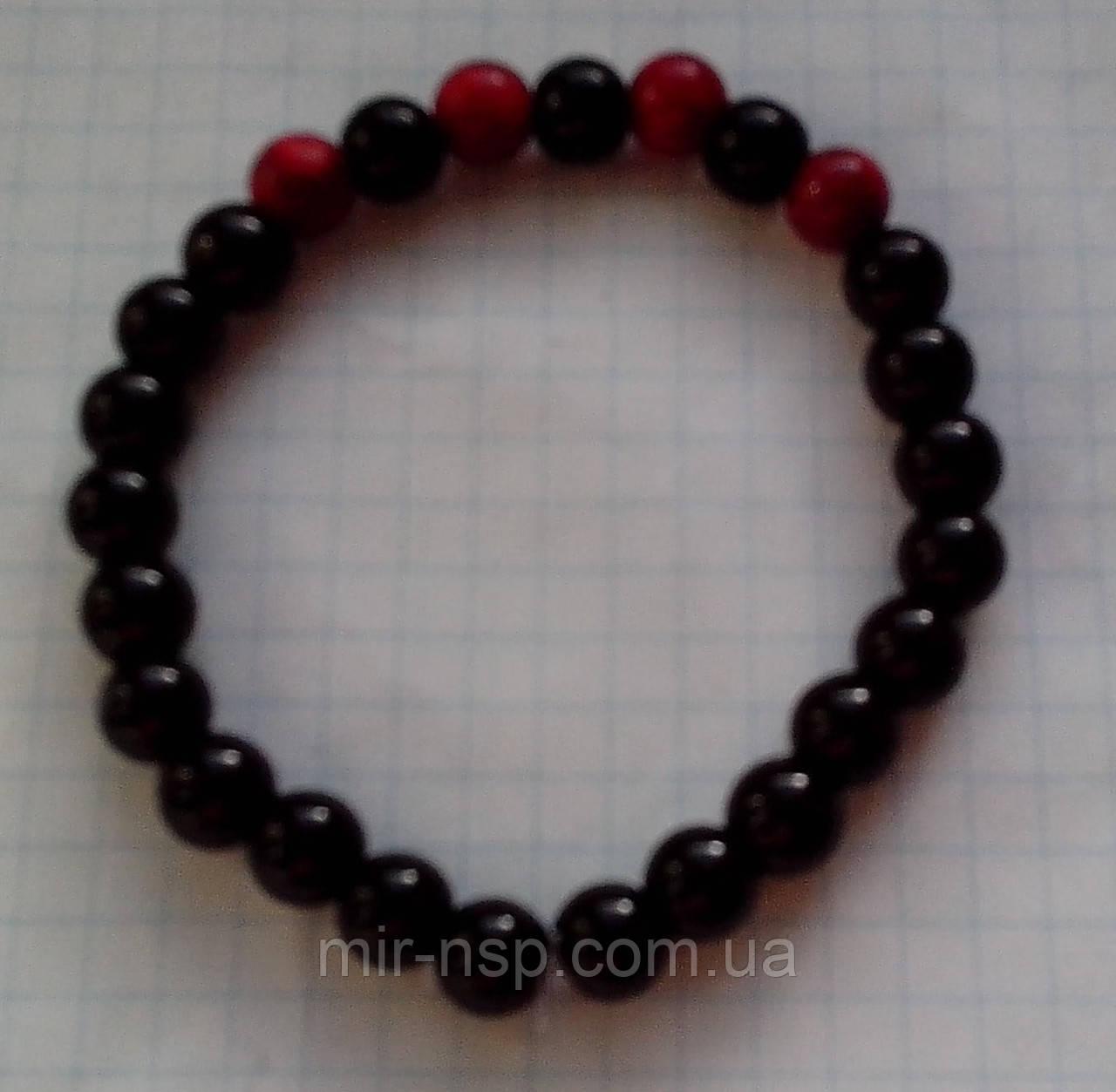 Браслет черный агат и красный коралл 8 мм