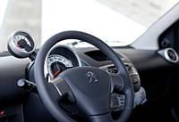 Подушка безопасности водителя и пассажира на PEUGEOT 107.