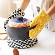 Кухонные принадлежности: фартук и рукавица