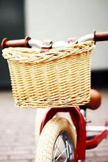 Велосипедная плетеная корзинка Trybike для беговела с кожаными ремнями (TBS-200-BSK), фото 3
