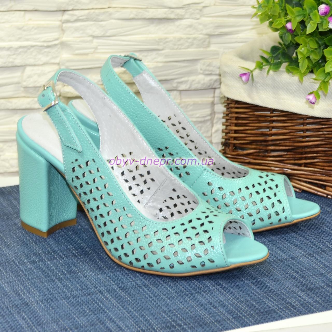 fbf5a5cf322e Купить Босоножки женские кожаные на высоком устойчивом каблуке, цвет мята в  ...