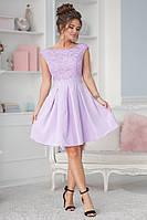 Женское платье юбкой клеш, кружево на груди