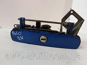 Ручка кришки багажника Volkswagen Polo, Поло 9N. 6Q6827565E.