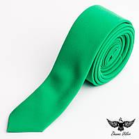 Галстук зеленого цвета