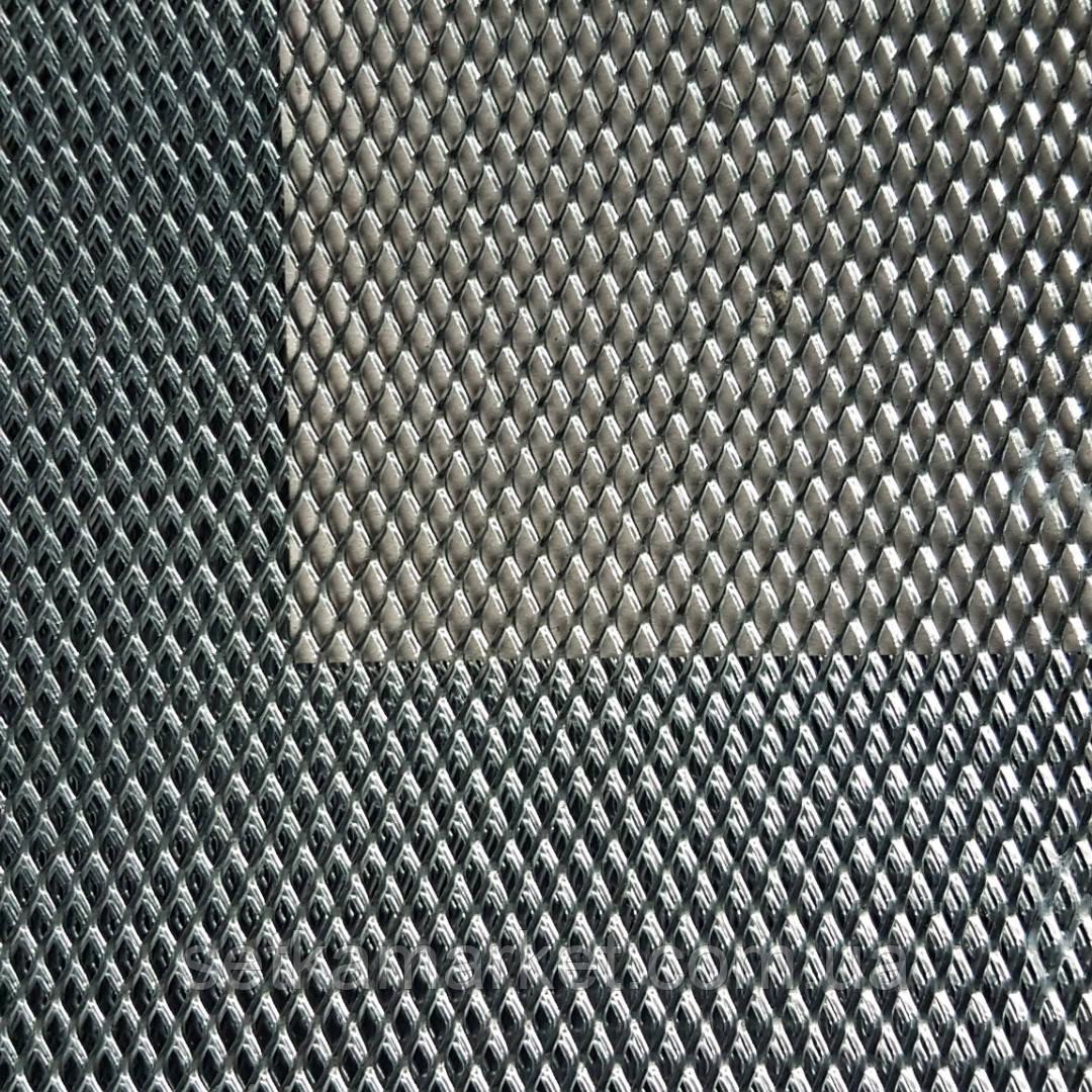 Сітка просічно-витяжна 2×8 мм, лист 0.5х1 5 м., чорна