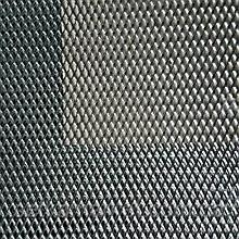 Сітка просічно-витяжна 2.8×8 мм, лист 0.5х2 м, оцинкована.