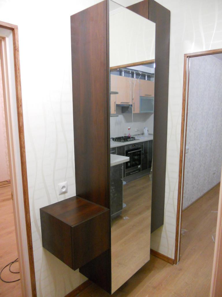 Тумба подвесная с зеркалом