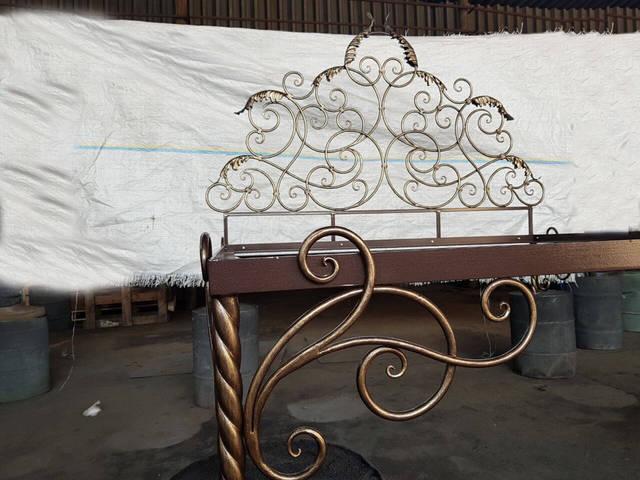 Кованая кровать ручной работы  -1
