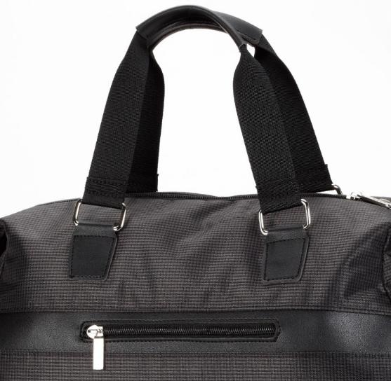 Спортивная чёрная дорожная сумка