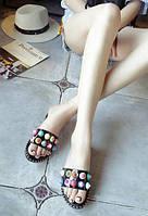 Тапочки черные с разноцветными заклепками, фото 1