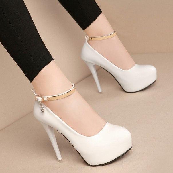 Туфли белые с ремешком для девушек