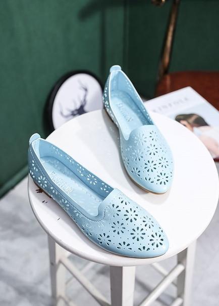 Легкие голубые балетки в цветочки