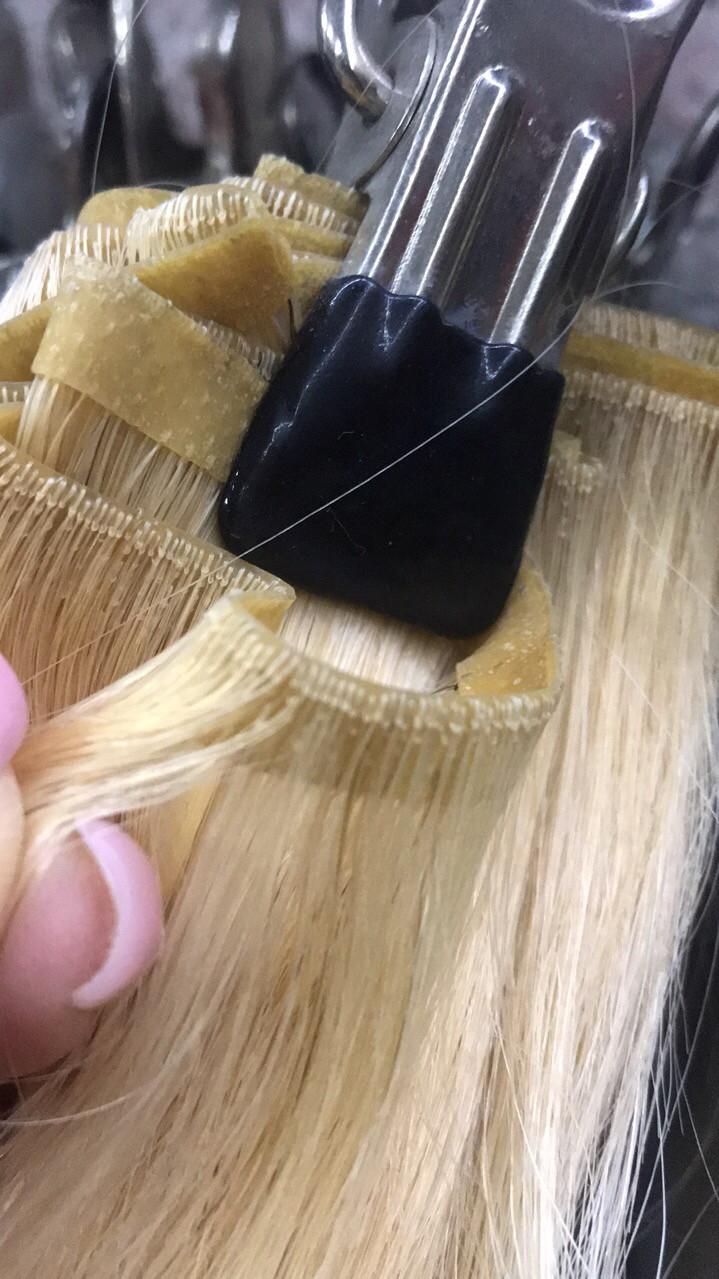 Волос на ленте