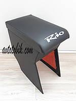 Подлокотник KIA RIO 2 (КИА РИО) цвет черный с вышивкой RIO ( 2005-11 г.в. )