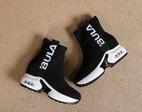 Блестящие кроссовки Christian Louboutin
