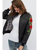 Женская куртка бомбер демисезонный стёганный с розой черная. Живое фото