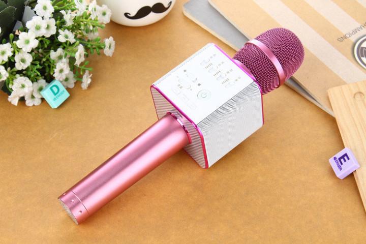 Беспроводной Bluetooth микрофон караоке Q9 розовый