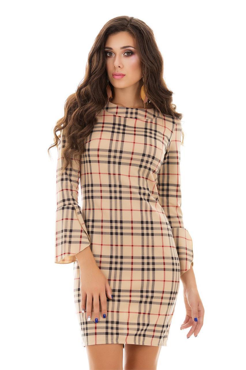 Элегантное облегающее платье в клетку с воланами на рукавах