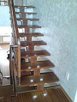 Лестница из дерева с подсветкой