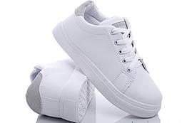Женские кроссовки белого цвета с серой вставкой на низком ходу 35-39р. 181223392