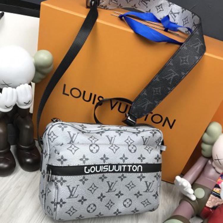 Молодежная кожаная женская сумка мессенджер Louis Vuitton серая кожа через плечо унисекс LV Луи Виттон реплика