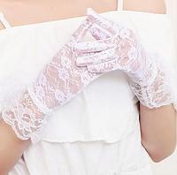 Перчатки кружевные белые короткие с манжетом