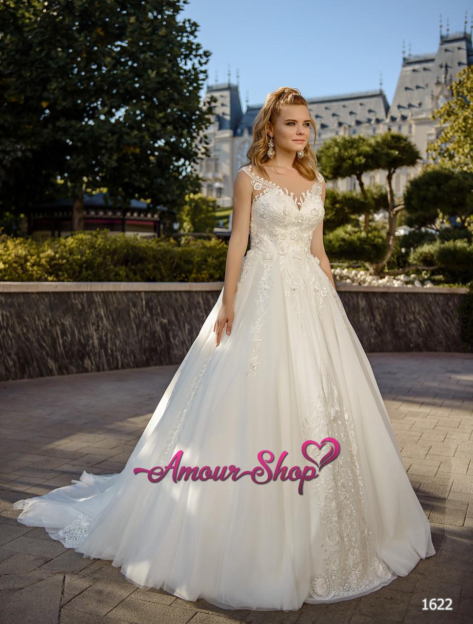 Кружевное свадебное платье  с рукавами  и полупрозрачным корсетом