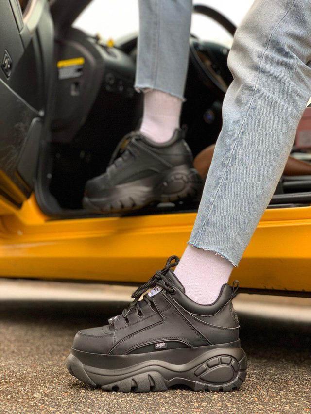 Женские кожаные кроссовки на платформе Buffalo London в черном цвете