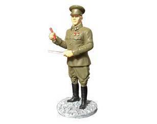Фигурка оловянная (Eaglemoss) Генерал-лейтенант в походной форме №18 (1:32)