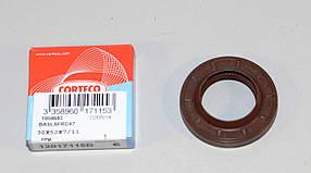 Сальник коробки передач на Renault Trafic / Трафик / Master / Ивеко 2001-> — Corteco (Италия) - CO12017115