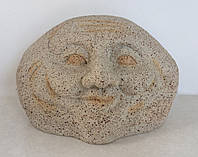 Улыбающийся камень - декор для сада