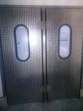 Маятниковые промышленные двери