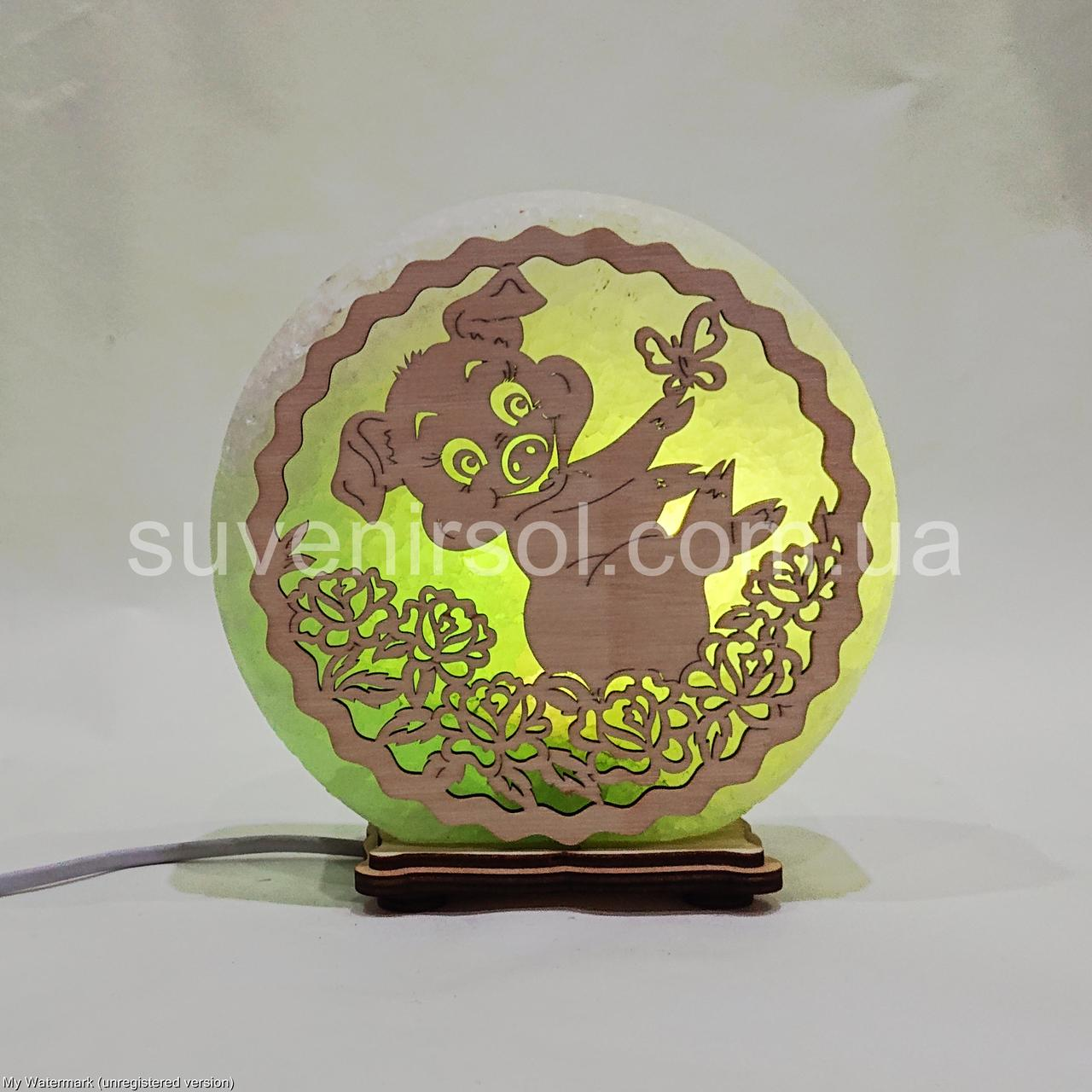 Соляной светильник круглый Хрюша с бабочкой