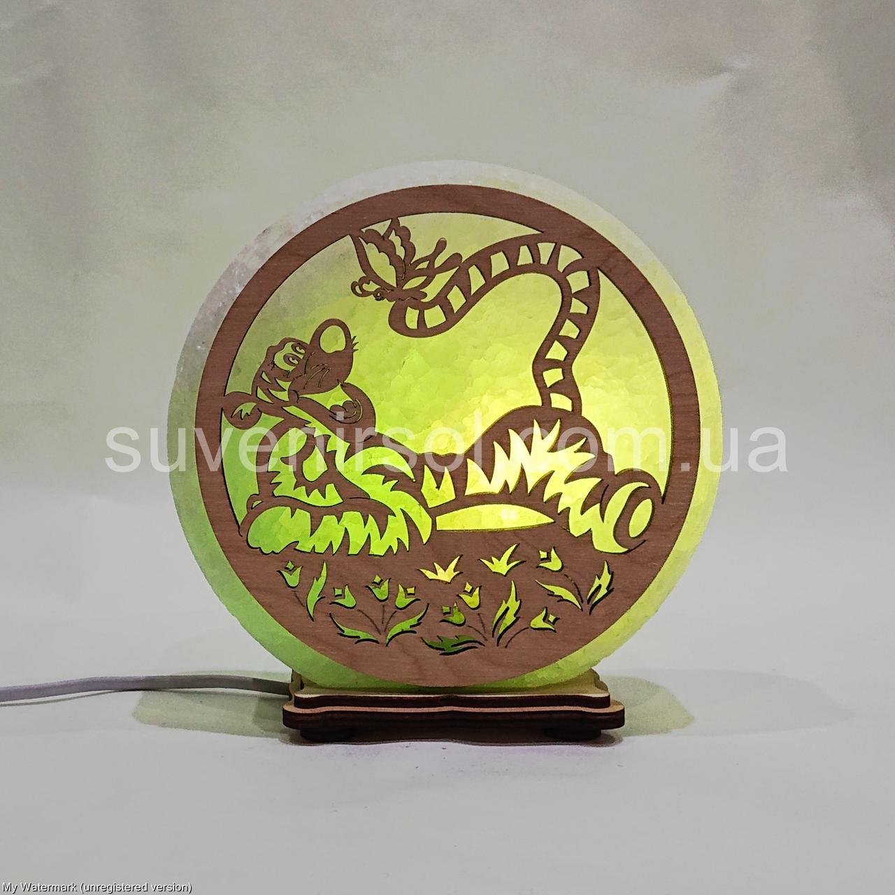Соляной светильник круглый Тигр с бабочкой