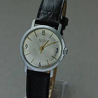 Восток наручные механические часы СССР , фото 1