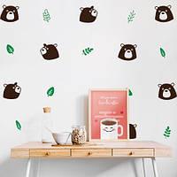 Наклейка виниловая в детскую Гризли (пленка самоклеющаяся на стену, декор на обои, медведь, листья)